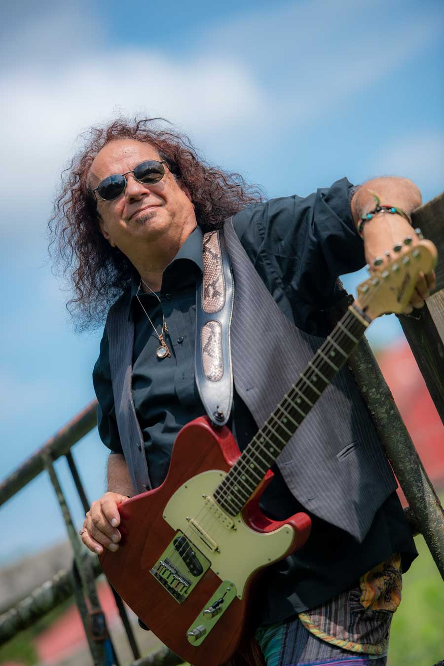 Bobby Messano – Songwriter/Guitarist